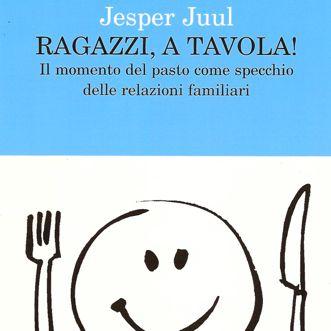 d0000000644lcopertina_ragazzia_a_tavola