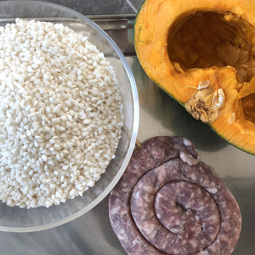 ingredienti-risotto-zucca-salsiccia